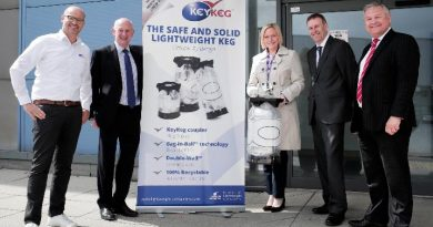 Durham County Councillor Cllr Leanne Kennedy with representatives from Business Durham, Lightweight Containers, Metnor and HTA Real Estate